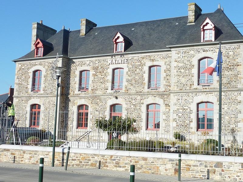 Mairie St M'Hervé