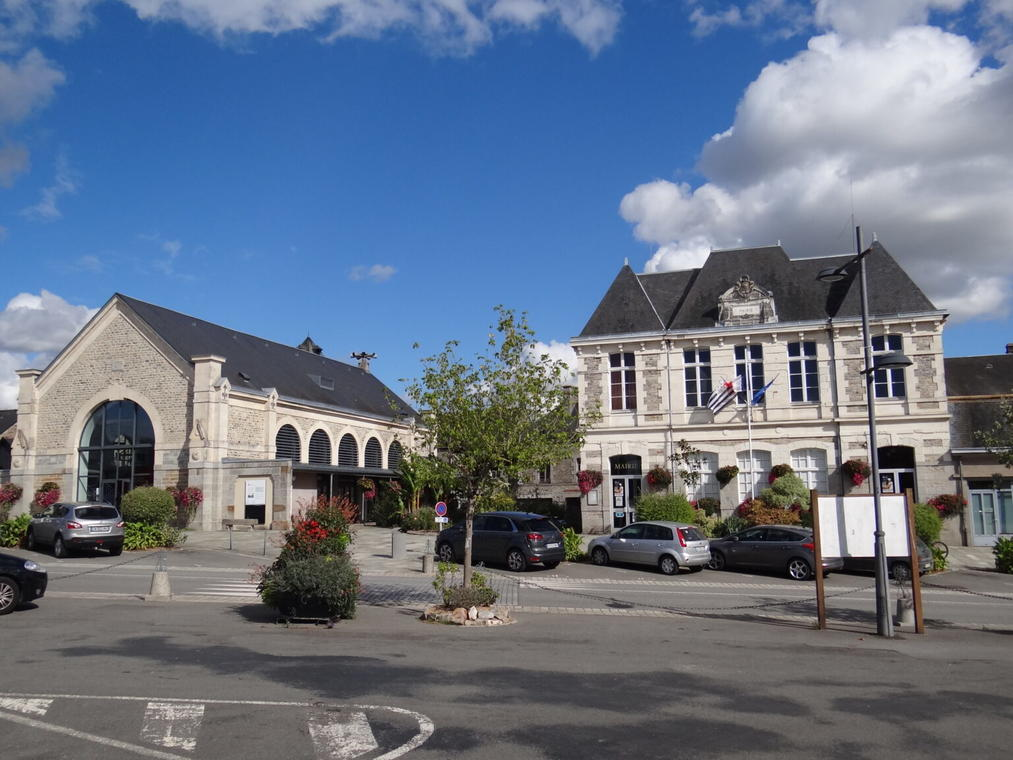mairie-saint-aubin-du-cormier