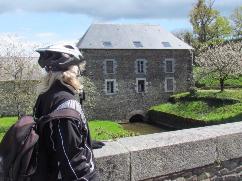 Cycliste au moulin de Brétigneul