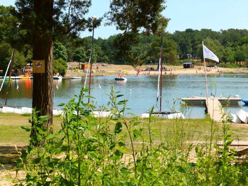 Plage du lac de Trémelin