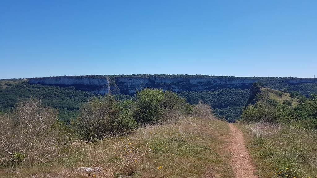 Randonnées, trekking & vtt avec le bureau des moniteurs Shark'Aventures Montauban et Gorges de l'Aveyron