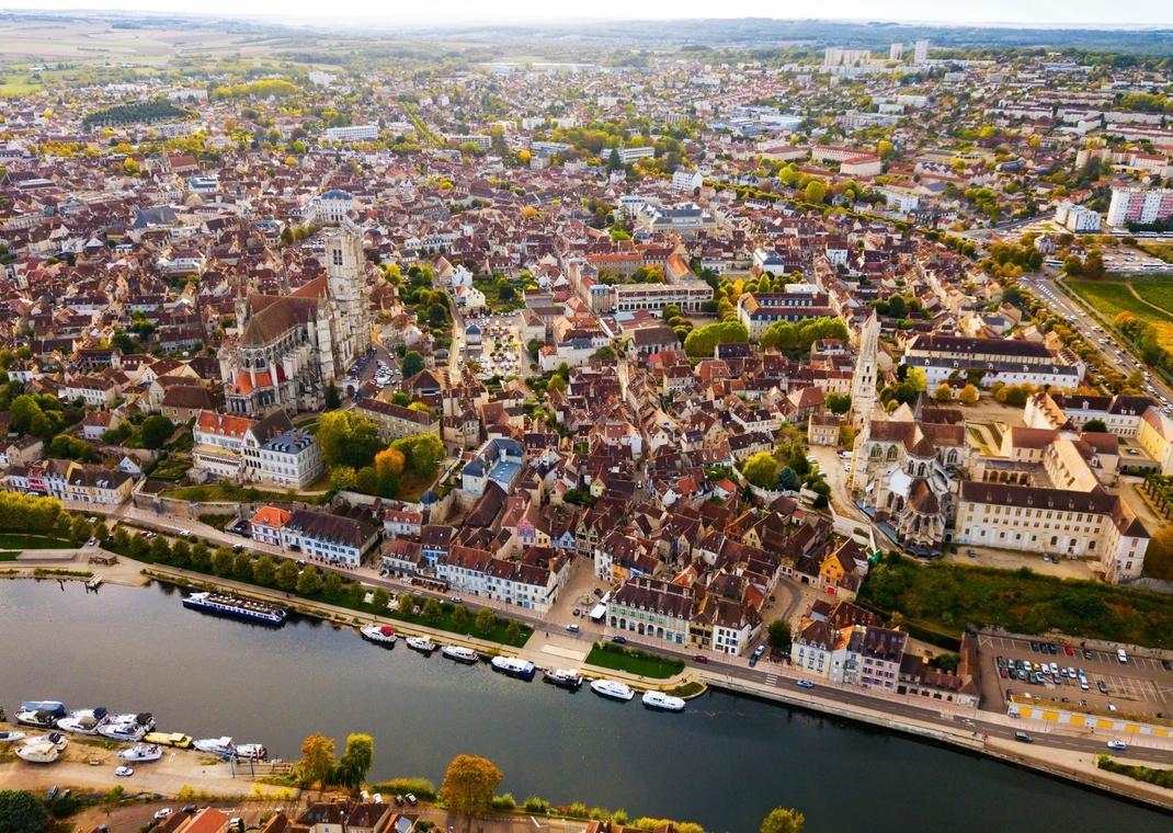 Auxerre en 80 minutes