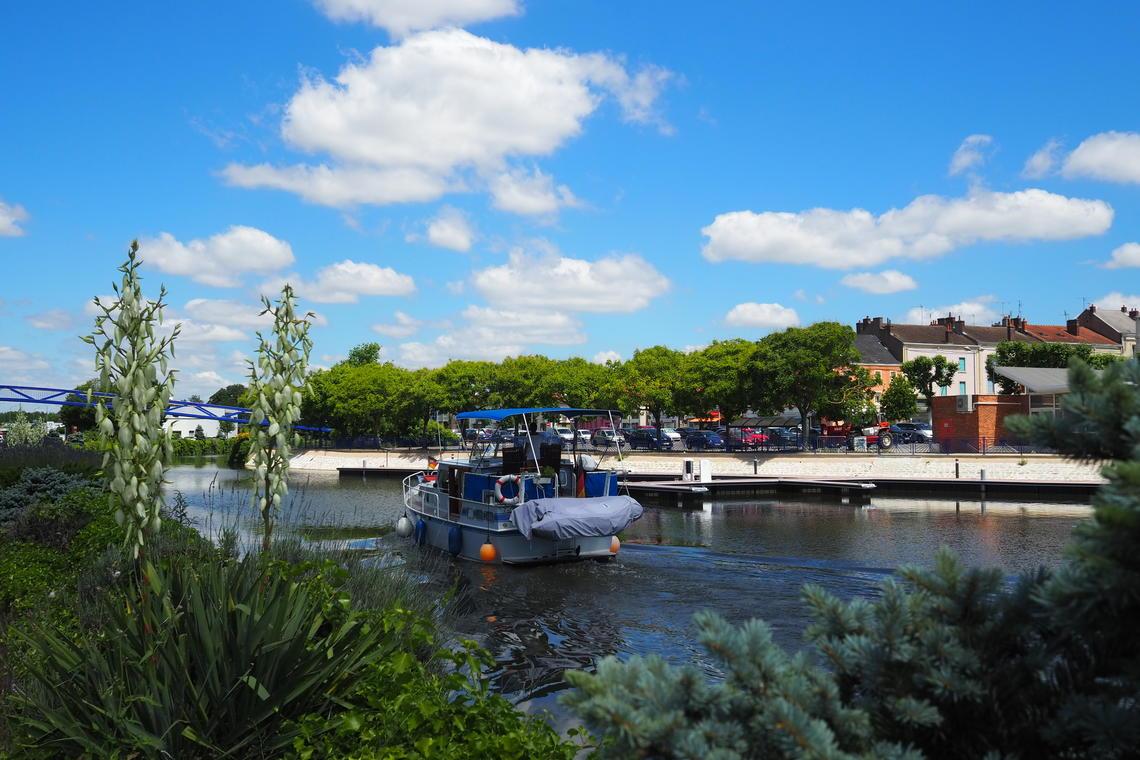 Montceau-Port-Capitainerie-Office-de-Tourisme-bateau-ponton-2018-CUCM-William-Chauvin--4-