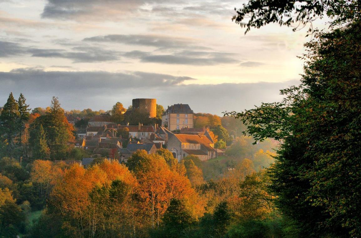 village-de-saint-sauveur-en-puisaye-daniel-salem-e1495888775989