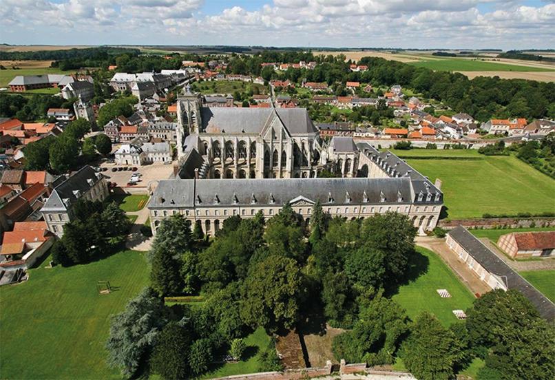 Abbaye-Saint-Riquier-Vue aériene principale