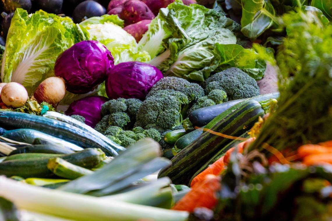 assorted-broccoli-cabbage-1300972_1