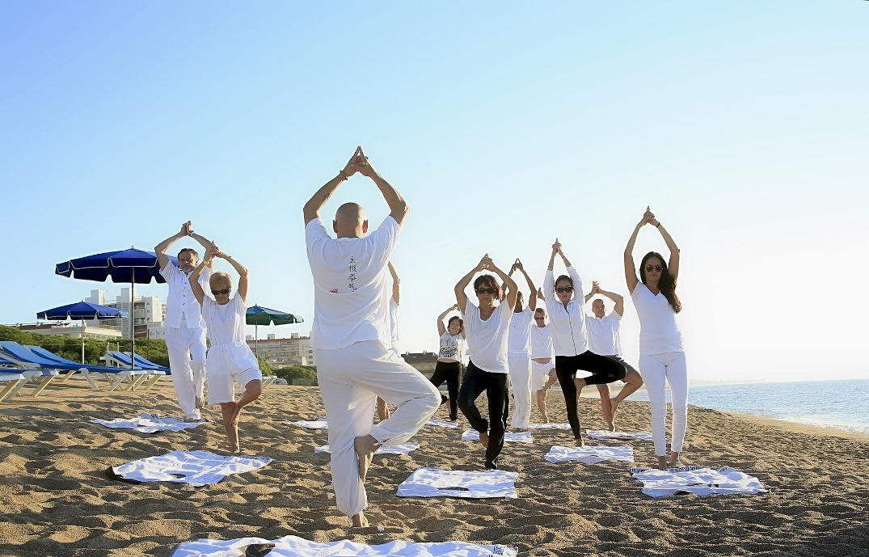 yoga-1757383_1920_rsz