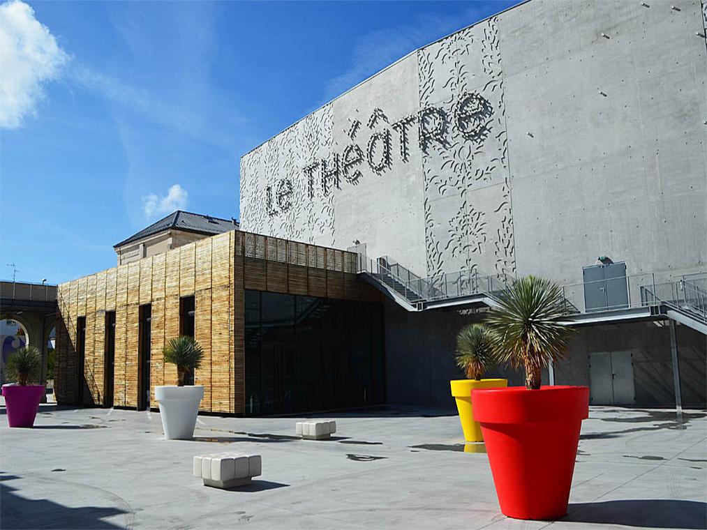 LOI44-théâtre