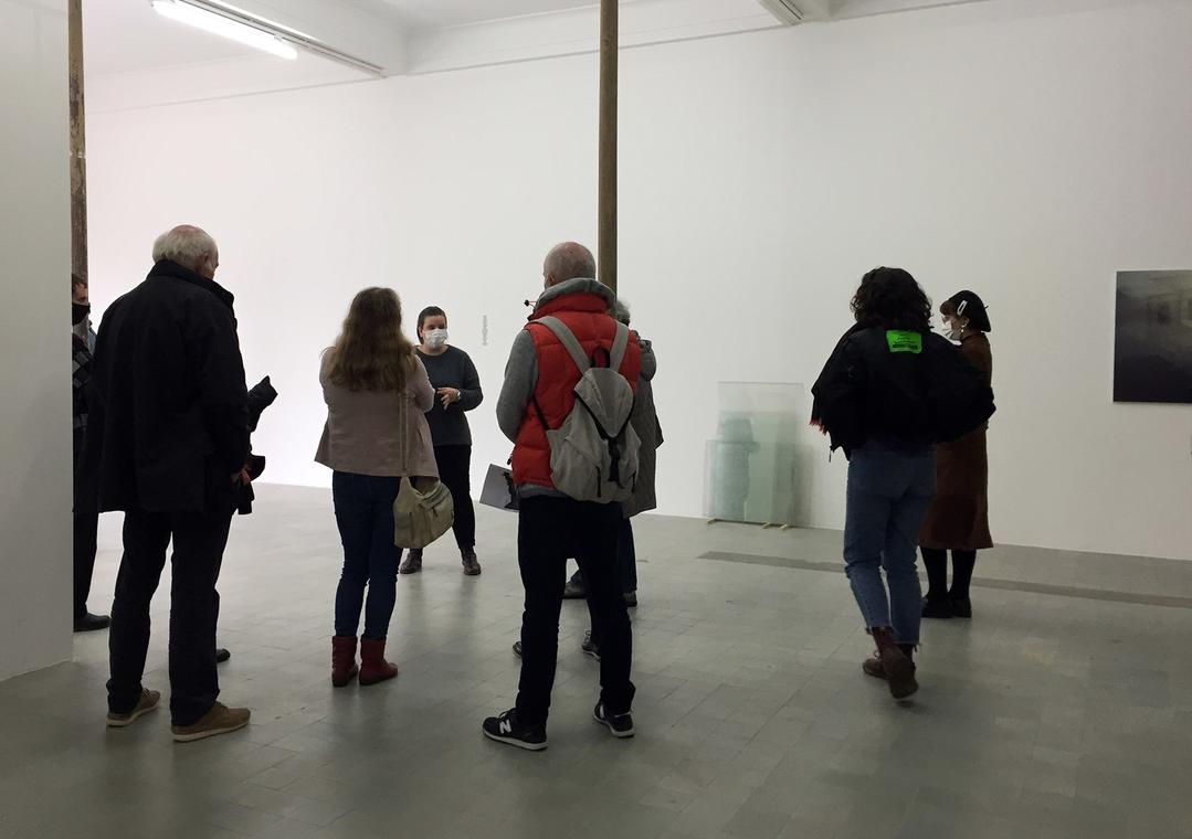 Visite de l'exposition «Chroniques de l'invisible», 2020