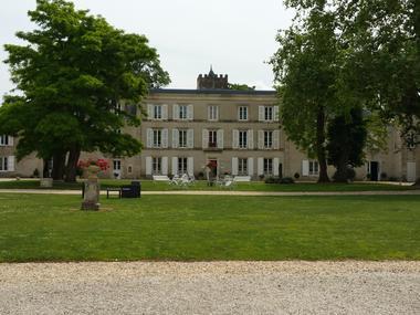 """L'hôtel-restaurant """"Le Domaine du Griffier"""" à Granzay-Gript"""