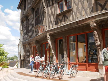 Accueil devant OT © C'Chartres Tourisme (1)