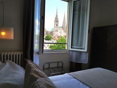 Chambre Confort - Vue Cathédrale - Hôtel Le Boeuf Couronné Chartres