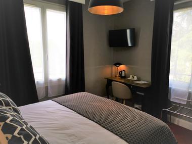 Chambre Classique - Vue Cour - Hôtel Le Boeuf Couronné 2