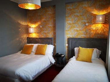 Chambre Lits jumeaux- Hôtel Le Boeuf Couronné Chartres