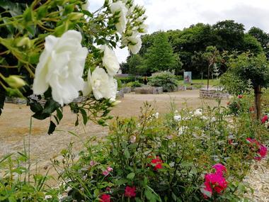 Jardin médiéval Bédée Village Etape