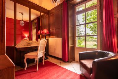 Chambre 2 bis appartement rez-de-jardin