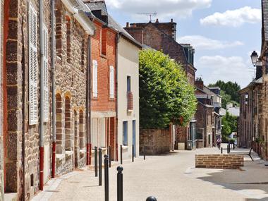 Rue de la Saulnerie Montfort sur Meu Petite Cité de Caractère