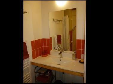 Terre Compagne - chambre plain pied PMR salle d'eau italienne