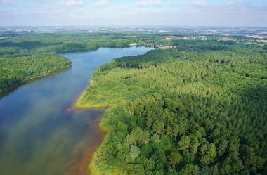 Vue Drone lac de Trémelin