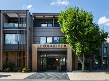 Hotel Spa Roi Arthur - entrée - Ploërmel - lac au Duc - Bretagne