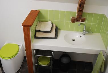 Terre Compagne - salle d'eau chambre familiale