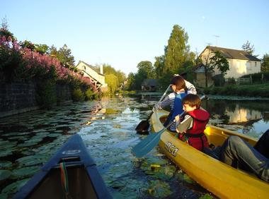 Visiter Montfort-sur-Meu canoe ©office de tourisme lac de Trémelin (2)