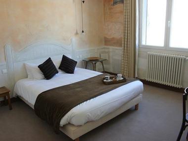 Hôtel Le Thy - chambre Tapiès - Ploërmel - Morbihan