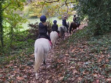 Ecurie poney club du soleil - balade à poney - Ploërmel - Morbihan