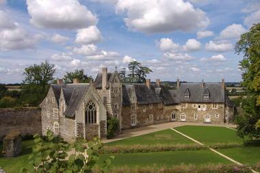 chateau-du-plessis-mace-2-1377468