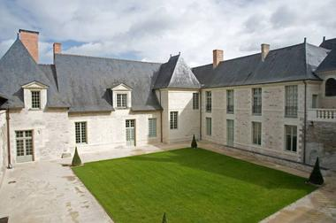 chateau-perriere-anger-1-1377477