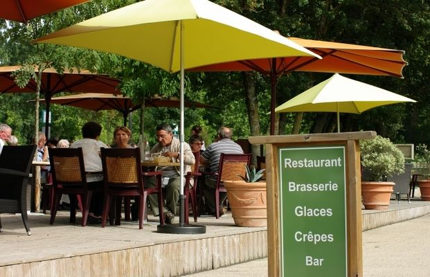 """Le restaurant """"La Brasserie de la Repentie"""" à Magné"""
