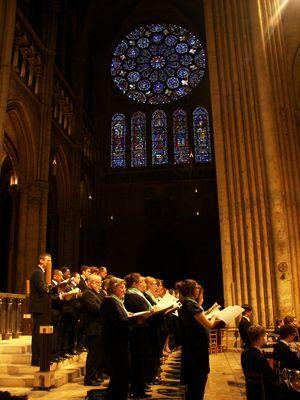 Chants dans la cathédrale