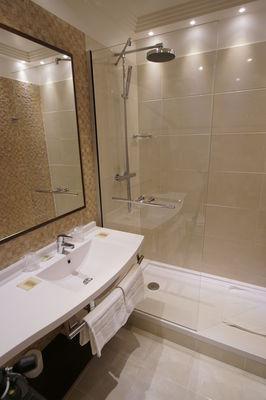 Chambre confort salle de bain