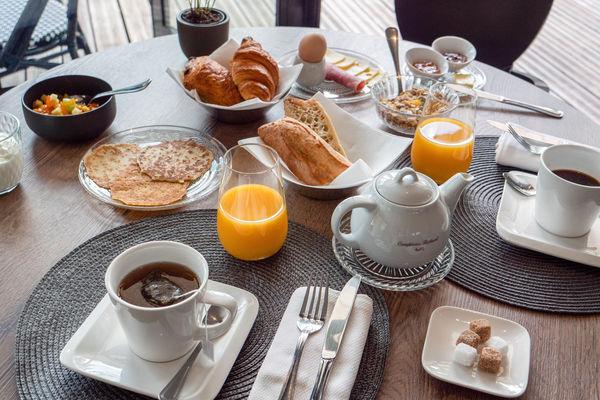 Petit déjeuner - Hôtel Le Boeuf Couronné Chartres