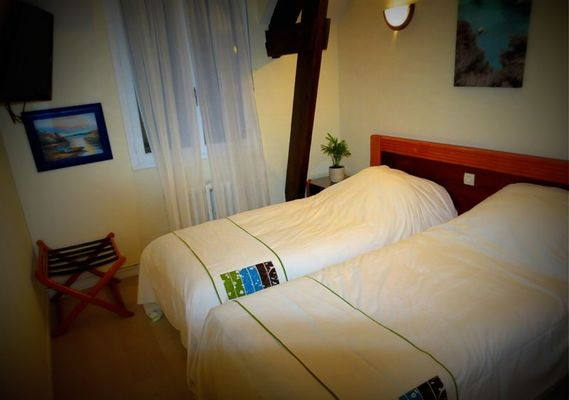 Hôtel-A l'orée de la forêt-Calmpénéac-Destination-Brocéliande-Bretagne