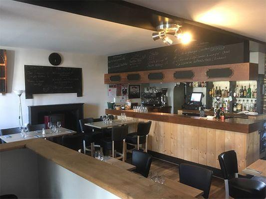 Cortessia-bar-Breal-sous-Montfort