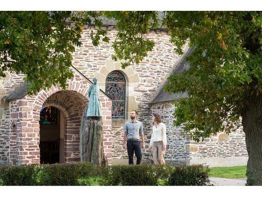 """""""Eglise du Graal"""" en Brocéliande"""