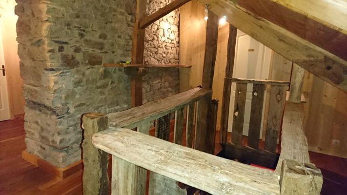 Gîte Ar Merglet_Maxent_escalier