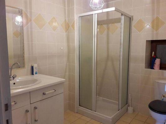 Gîte de la Haute Fenderie_Paimpont_salle d'eau et WC