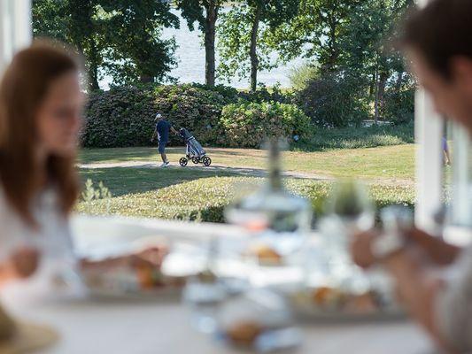 Restaurant le Roi Arthur - vue lac - Ploërmel - Brocéliande - Bretagne