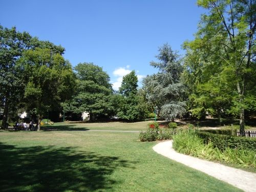 Le parc municipal de Montfort-sur-meu