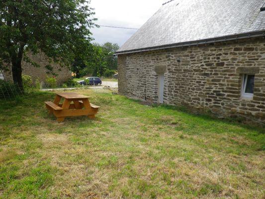 Manger dehors au gîte du Foso - Saint-Guyomard - Morbihan - Bretagne