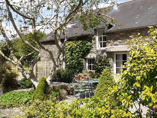 Terrasse - roulotte gitane - les Courtils - Ploërmel - Borcéliande