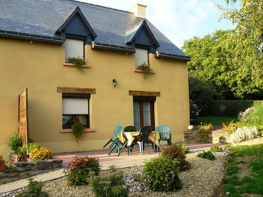 Gîte-Chérel-Loyat- terrasse -Destination-Brocéliande-Morbihan-Bretagne