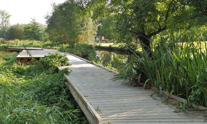 parc et jardin montfort sur meu petite cité de carctère ©office de tourisme