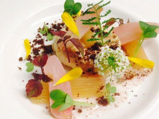 présentation plat - fleurs comestibles - Le Cobh - Ploërmel - Brocéliande