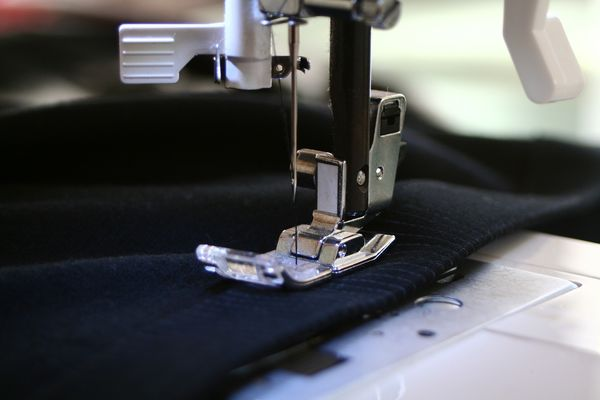 sewing-machine-g13266dcc0_1920