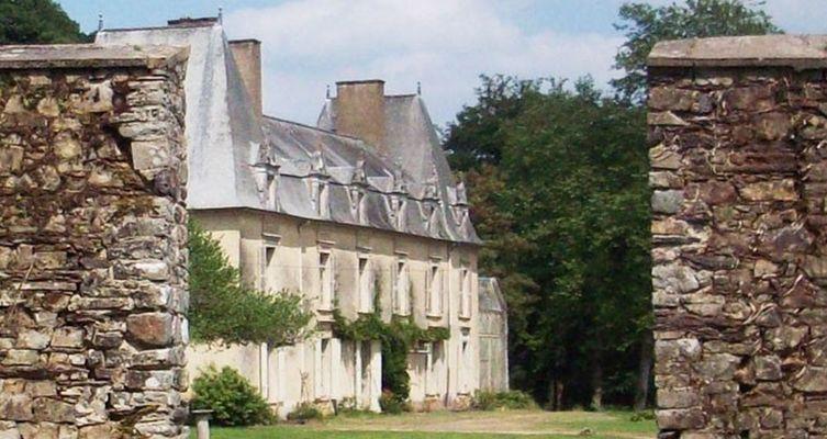 01-Le château vu du jardin