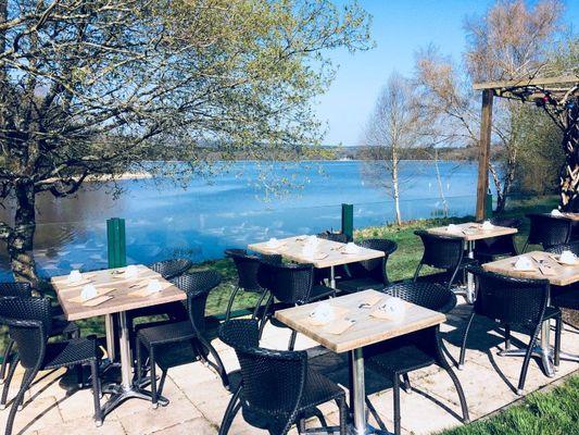 Crêperie La Fée gourmande_Paimpont_vue sur l'étang