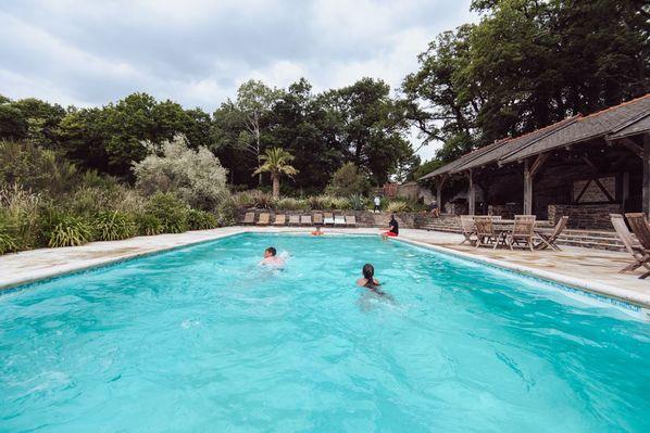 Espace piscine Chateau de Bézyl - Sixt sur Aff